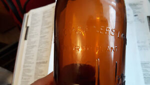 """WANTED :  INFO on this BOTTLE.  """"Calling all Aussies !"""" Cambridge Kitchener Area image 3"""