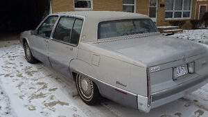 1990 Cadillac Fleetwood 135k km 90 Yr old owner. Safety & etest