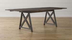 CRATE AND BARREL DINING TABLE - METRA EXTENSION GREAT CONDITION