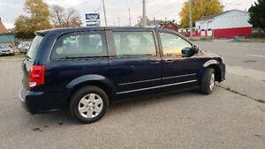 2012 Dodge Grand Caravan SE Minivan, Van Cambridge Kitchener Area image 9