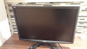 Acer 22 inches monitor in great shape x223w