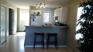 Beautiful Sylvan Lake condo sleeps 4 to 6! lake few blocks away!