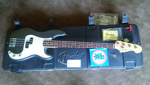 2013 USA Fender Precision Standard Bass and/or Traynor Amp.TRURO