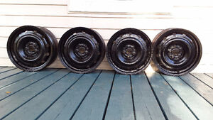 Steel wheels- great for winter tires, 5 bolt, fits many vehicles Peterborough Peterborough Area image 1