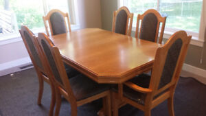 Oak Dining Set, table and 6 chairs, plus leaf