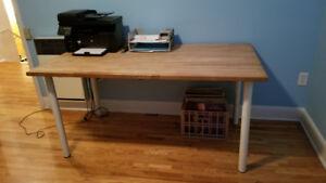**2 TABLES bois massif + 1 TABLE à café  ->prix -> 50$-50$-30$**