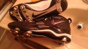 NIKE TEAM FOOTBALL CLEATS