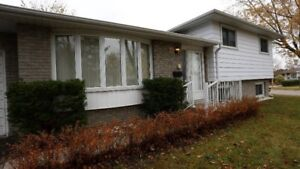 Entire 3 Bed 2 Bath Home in North Barrie Near College & Hospital