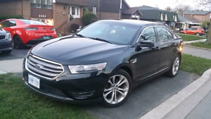 Ford Taurus SEL 2013 --  LOADED - EVEN ALL WHEEL DRIVE (AWD)