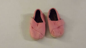 Chaussure Toms T5.5