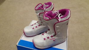 Firefly C32 Women's White Snowboard Boots size 10