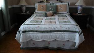 pour lit double, belle douillette  style courte-pointe