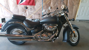 2001 Suzuki Intruder 800 LOW KMS! Sale or trade.