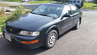 1995 Nissan Maxima GXE Sedan - only 104000km! - no rust.