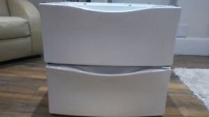 Laundry drawers/pedestals