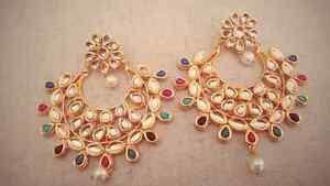 Earrings/hand accessory/maan tika