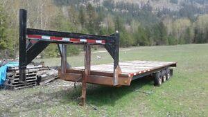 Triple axel equipment or farm trailer