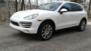 2012 Porsche Cayenne Warranty till 160kms - Manual Transmission