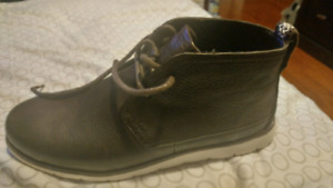 Mens Ugg Boots - size 10. - Brand new