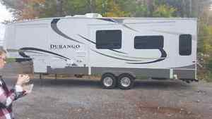 Full size truck with fifth wheel willing to Hall campers trailer Peterborough Peterborough Area image 2