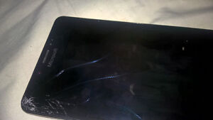 Selling Lumia 950 for parts. Screen not working