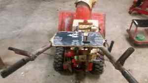Snowblower for sale with electric start  Stratford Kitchener Area image 4