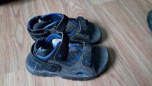 Sandale marque colombia grandeur 11 peuvent aller à l'eau