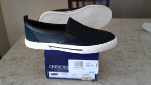 Brand new boys shoes size 5
