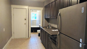 (Downtown) ROOM for Rent, FREE WIFI, Whole Main Floor,Own Entry