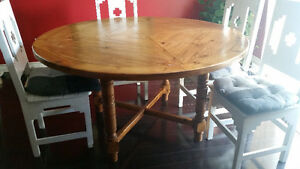 Large round table & 4 chairs