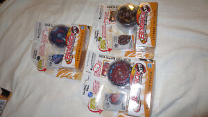 Lot 3 NEW Beyblade Extreme Top System Electro Battlers Bull etc