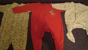 BABY CLOTHES newborn onesies/pants/sleepers Kitchener / Waterloo Kitchener Area image 5