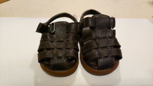New Baby Gap shoes Size 4, really nice