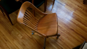 Vintage office chair / vieille chaise de bureau retro