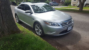 2010 Ford Taurus SHO ECOBOOST AWD Sedan