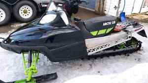 2011 ARCTIC CAT M SERIES SNOWMOBILE