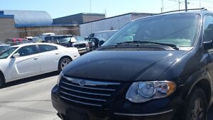 2005 Chrysler Town & Country Fourgonnette, fourgon