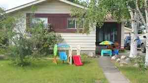 Must See!! Bungalow with 2200 sq ft of Living Space