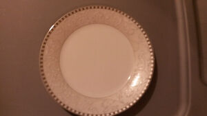 Porcelaine - Service pour 8 / China - Service for 8 people