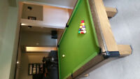 Pool table (3/4 size!) for sale