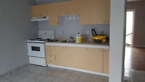 3 bed room town house London Ontario image 1