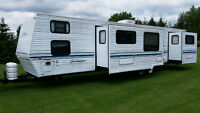 40' DUTHCMEN 2 BEDROOMS & SLIDES FRONT BUNK HOUSE! KING REAR BED