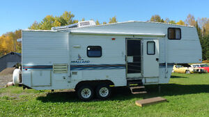 1997 Mallard 28' 5th Wheel with large slide 7800 OBO