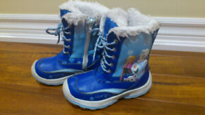 Disney girl's winter boots size 11
