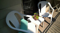 2 chaises et 1 table pour terrasse/balcon - Patio furniture