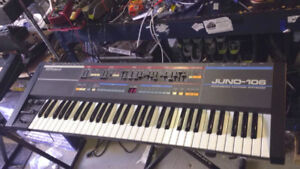 Roland Juno 106 Vintage Synth with hard case