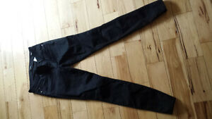size 27 ( fits up to size 29) Brand new Curvy Black Guess Jeans Peterborough Peterborough Area image 1