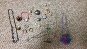 Vintage Costume jewellry lot