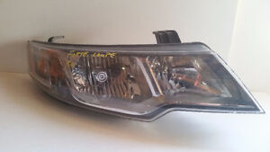 2011 KIA FORTE COUPE LEFT AND RIGHT HAND HEADLIGHT