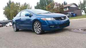 **LOW KMS **2009 Honda Civic SI **6 SPEED**SUNROOF **